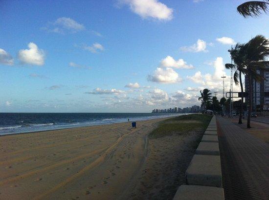 Prodigy Hotel Recife: Praia de boa viagem
