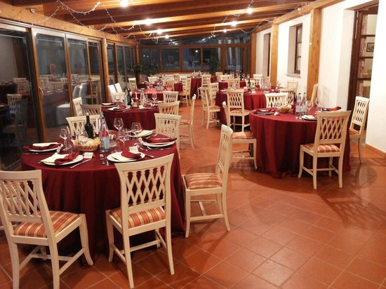 Azienda Agricola ed Agrituristica Cafaggio: Dinner setting