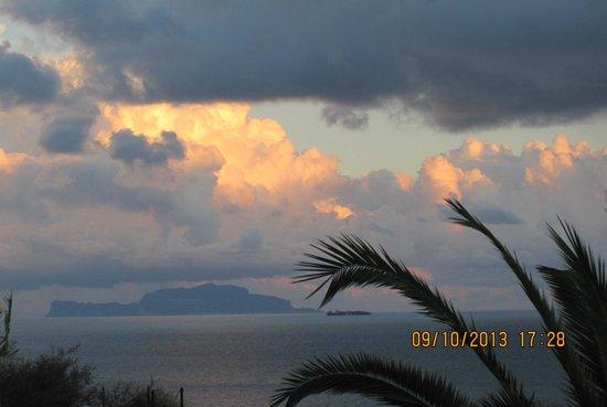 Hotel Vittorio: La vista splendida su Capri