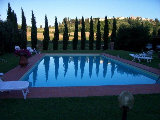 Le Valli: La piscina