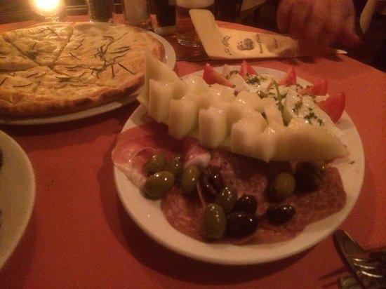 La Roma Restaurant: Special starter and focaccia