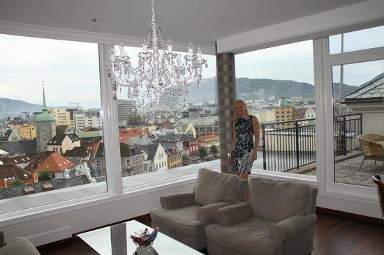 First Hotel Marin: Fantastisk utsikt fra stuen i Fløysuiten.