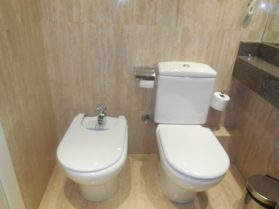 Royal Ramblas Hotel : Toilet and Baday