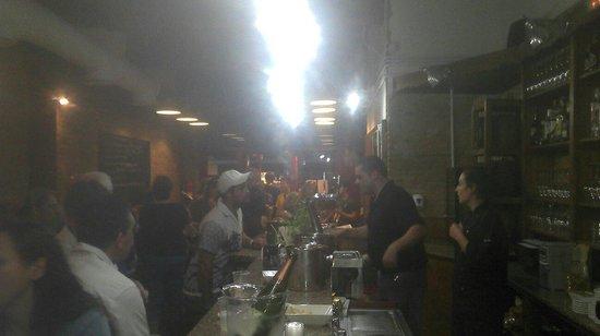 Tercer Temps Gastrotaverna: Una tarde de tapas y vinos!