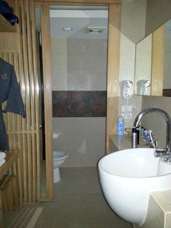 Hotel Vista Pattaya: banyo girişi