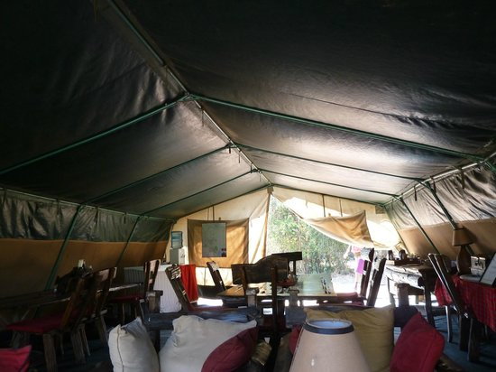 Porini Mara Camp : Mess tent where breakfast and lunch happened