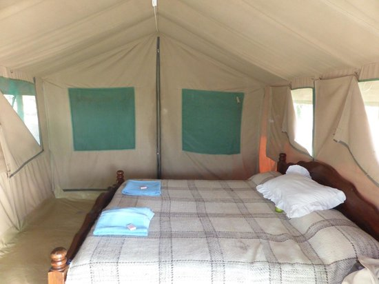 Whistling Thorn Tented Camp: BEDROOM