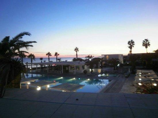 Dome Beach Hotel & Resort: Lovely Sunset