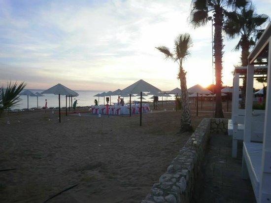 Dome Beach Hotel & Resort: Beach Area for wedding meal.