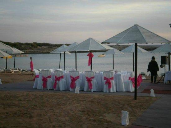 Dome Beach Hotel & Resort: Set up for wedding