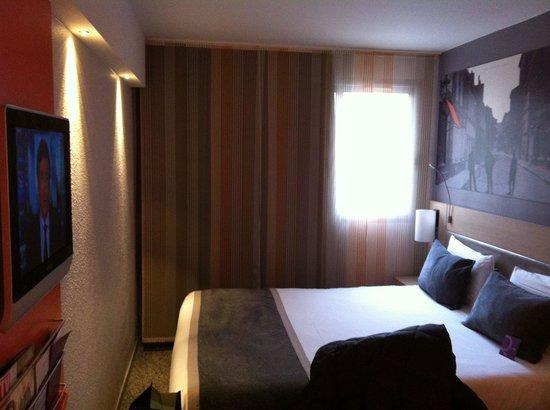 Hotel Mercure Paris 15 Porte de Versailles: Blick ins Zimmer