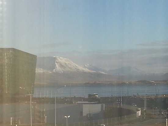 Radisson Blu 1919 Hotel, Reykjavik: View from our 4th floor room.