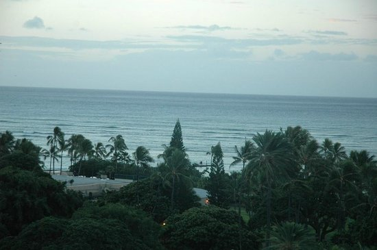 Hale Koa Hotel: View of west end of Waikiki beach from 9th floor rm