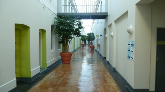 Protea Hotel by Marriott Cape Town Waterfont Breakwater Lodge: Corridors