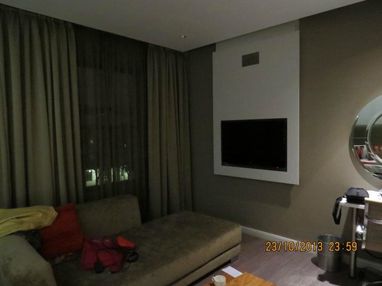 Protea Hotel by Marriott Cape Town Waterfont Breakwater Lodge : Nice TV