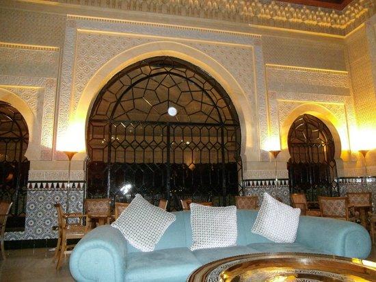 Hotel Alhambra Palace: bar area