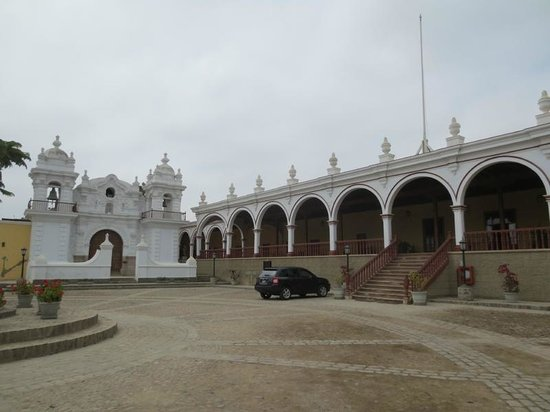Casa Hacienda San Jose: hotel entry and adjacent chapel