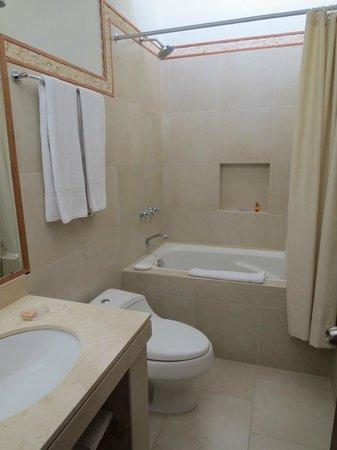Casa Hacienda San Jose: Bathroom with nice soap