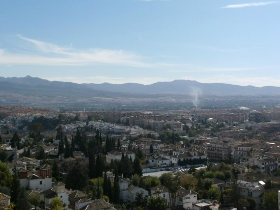 Hotel Alhambra Palace: View from room
