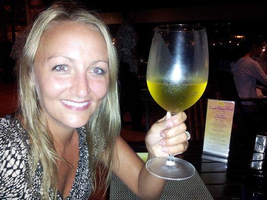 Al Fresco: Huge wine glasses!!