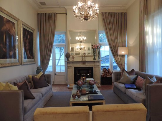 The Cape Cadogan: Sitting room