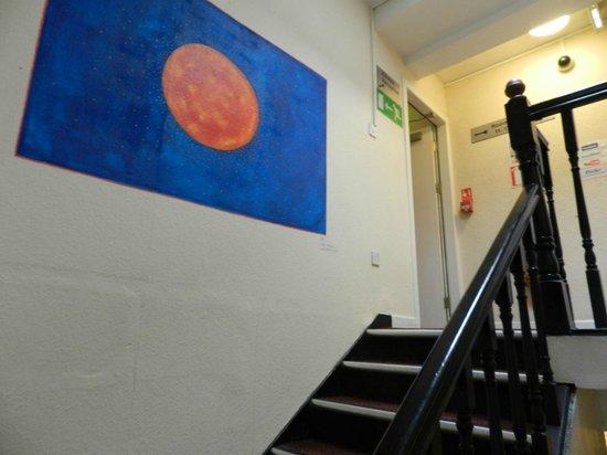 Times Hostels - College Street: Escaleras