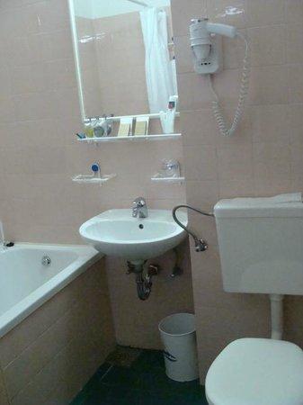 The Palace Hvar Hotel : Bathroom