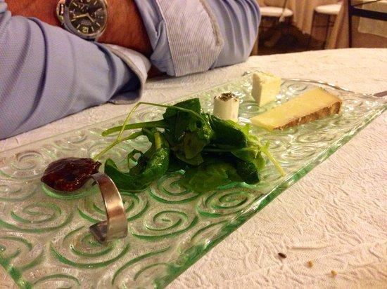L'Arome : Tribologie de fromage accompagné de confis de figues et salade
