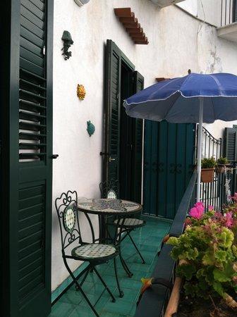 La Scogliera: Our balcony