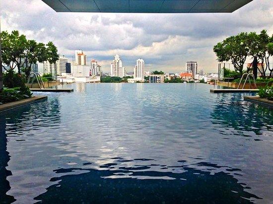 Somerset Sukhumvit Thonglor Bangkok: Swimming Pool