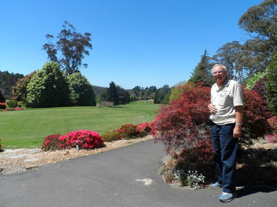 AEA Luxury Tours: Beautiful landscaping at golf course where we had lunch