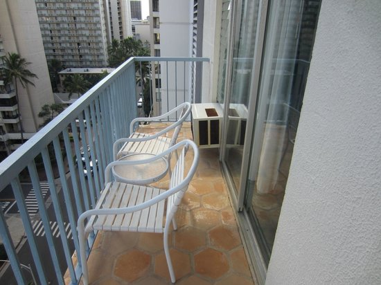 Coconut Waikiki Hotel : Balcony