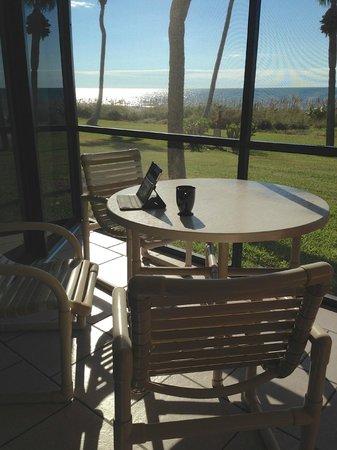 Pointe Santo de Sanibel: Morning coffee seat