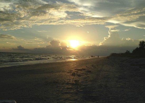 Pointe Santo de Sanibel: Beautiful sunset!