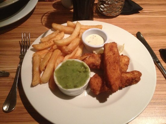 andwhynot Bar and Restaurant: Homemade fish fingers and chips, absolutely delicious