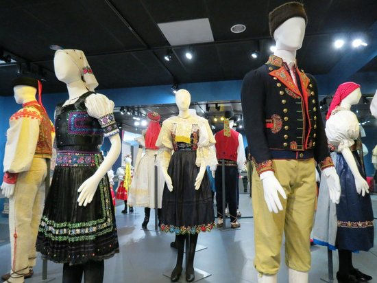 National Czech & Slovak Museum & Library : Costumes