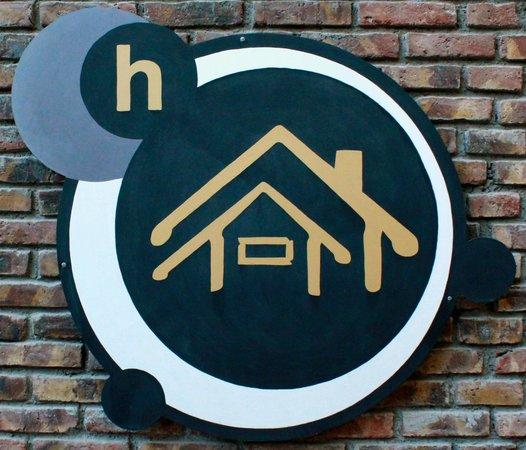 Italian Hostel: Logo