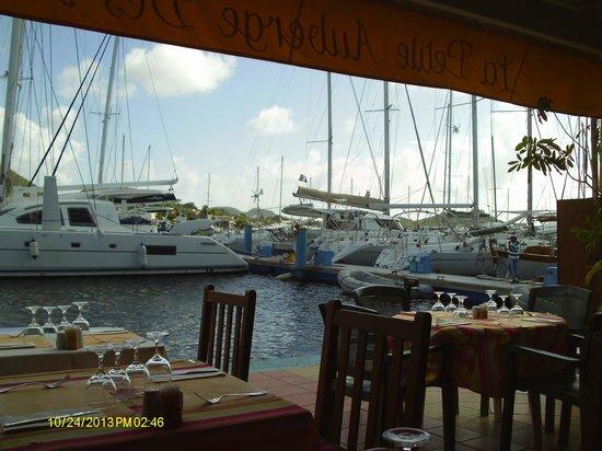 La Petite Auberge Des Isles: Vue depuis la table
