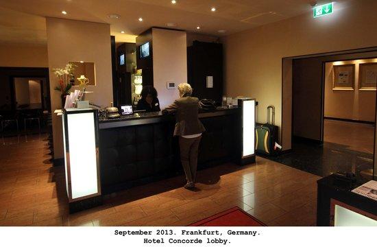 Hotel Concorde: Front Desk