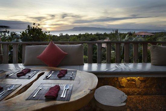 The Secret by Veranda Natural Resort : Open-air Restaurant