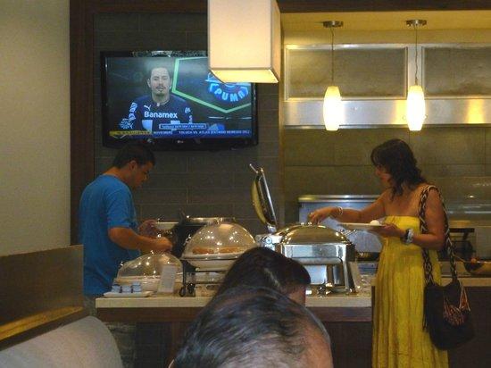 Hilton Garden Inn Panama: Desayuno