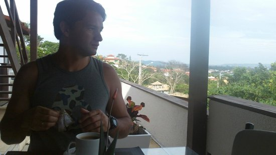 Buzios Arambare Hotel: desayunando, exelente en eso