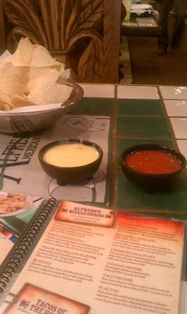 Alfredo's Mexican Cafe: chips, slasa and canned queso (but still pretty yummy)