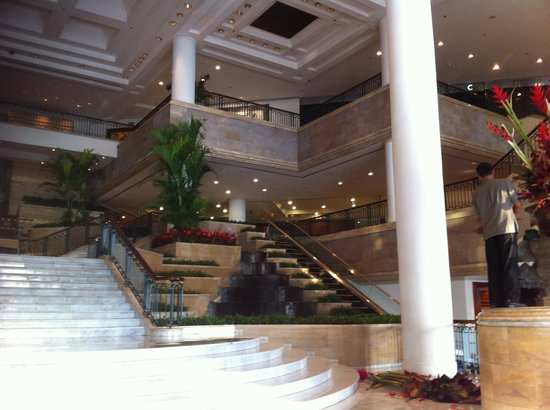 Grand Hyatt Jakarta: The Entrance