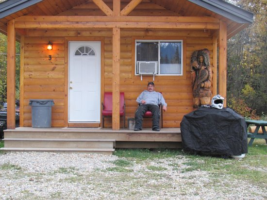 Wilderness Creek Cabins: enjoying the view