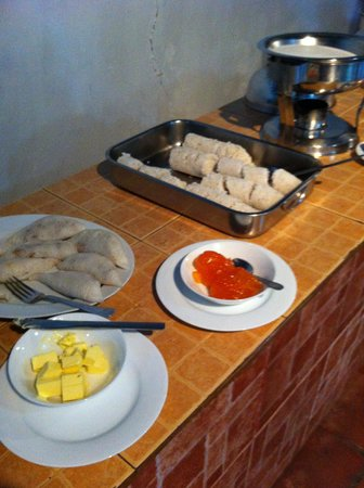 Dambulu Oya Family Park: Morning Buffet