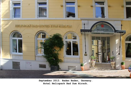 Heliopark Bad Hotel zum Hirsch: Hotel entrance.