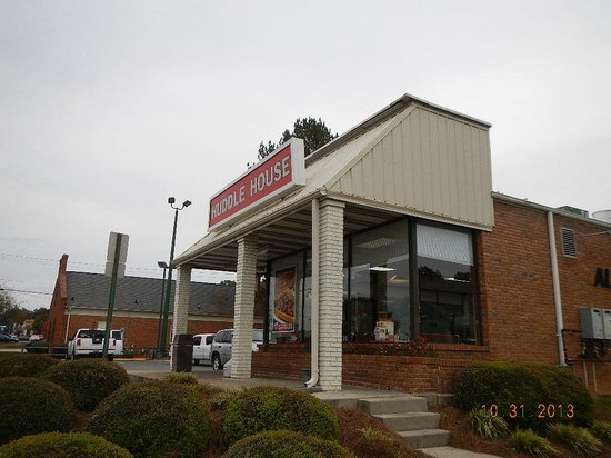 Huddle House: building