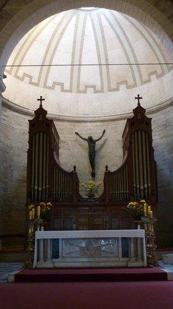 Catedral De San Bartolome De La Serena: Dominante Position der Orgel