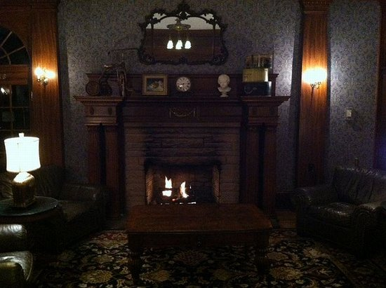 Stanley Hotel: Warm and comfortable.
